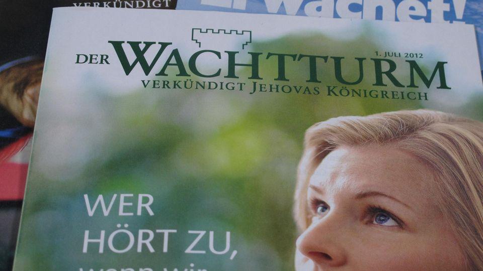 "Flyer ""Wachtturm"" der Zeugen Jehovas"