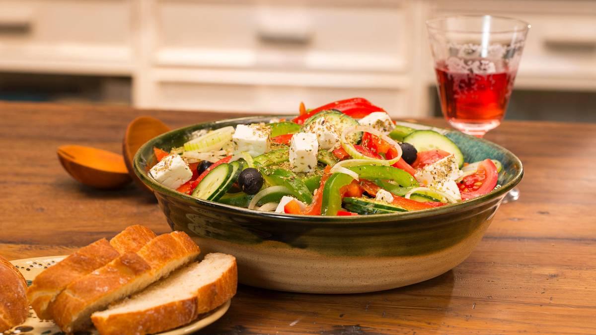 Leichte Sommerküche : Leichte sommerküche: so schmeckt der bauernsalat wie in griechenland