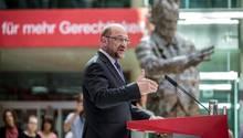 Spitzenkandidat der SPD zur Bundestagswahl Martin Schulz spricht in Berlin, bei der Vorstellung seines Entwurfs zur Bildungspolitik.