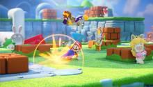 Mario rutscht in Mario & Rabbids Kingdom Battle unter einem Hasen durch