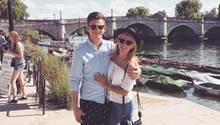 Michael Randall mit seiner Freundin im Urlaub. Kurz danach kann er mit ihrem Reisepass nach Berlin fliegen.