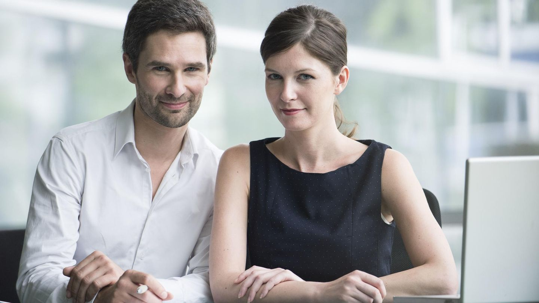 Liebe Im Büro Wenn Aus Dem Büroflirt Eine Feste Beziehung Entsteht Stern De