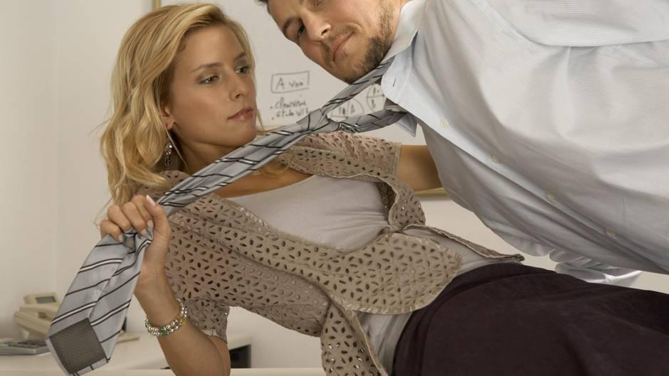 Eine Affäre im Büro (Symbolbild)