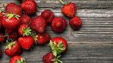 """In nur einer Schale Erdbeeren fand die """"EWG"""" 20 verschiedene Pestizide."""