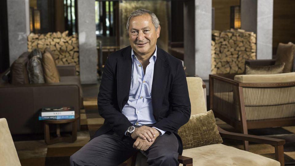 Der ägyptische Milliardär und fließend Deutsch sprechende Samih Sawiris hat bereits einen Teil seines Vermögens in dasTourismusprojekt Andermatt Swiss Alps investiert.