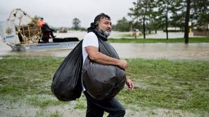 Rekordregenfälle und Sorgen vor Kriminalität: Tropensturm Harvey hinterlässt in Texas ein Bild der Verwüstung