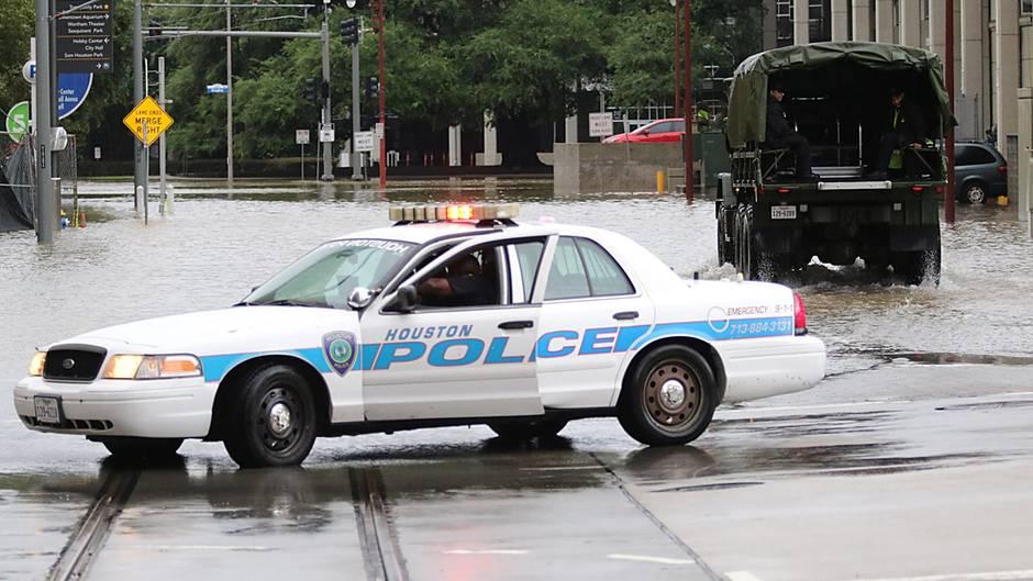 Texas: Tropensturm Harvey legt öffentliche Infrastruktur in weiten Teilen lahm