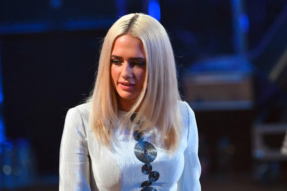 Model, TV-Sternchen, Sängerin: Wer ist Sarah Knappik?