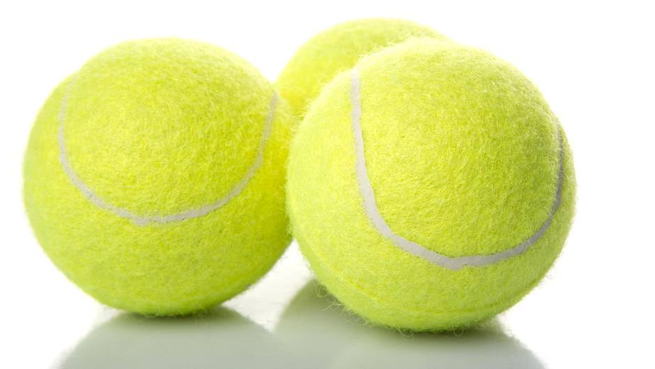 Tipp für unterwegs: Darum sollten Sie beim Reisen immer einen Tennisball dabei haben