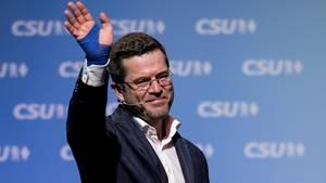 Karl-Theodor zu Guttenberg absolviert seinen Wahlkampfauftritt in seiner Heimat Kulmbach