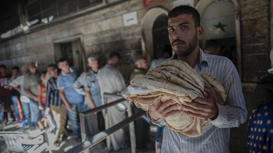 Aleppo: Unter Ruinen das Leben
