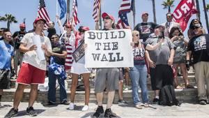 Die Mauer zwischen den USA und Mexiko war eines der zentralen Wahlkampfversprechen Donald Trumps (Archivbild)