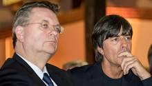 Reinhard Grindel und Joachim Löw: Klare Haltung des DFB zu den Vorkommnissen in Prag.