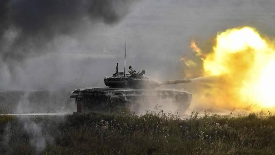 Ein T-90 Panzer auf einer Demonstrationsveranstaltung in der Nähe von Moskau.