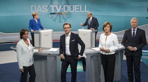 Die Moderatoren des TV-Duells: Sandra Maischberger, Claus Sturnz, Maybrit Illner und Peter Kloeppel
