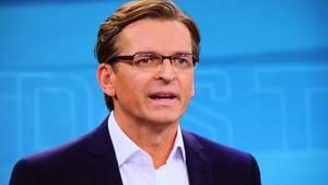 Scharfe Kritik an Claus Strunz - warum das Netz über den Sat.1-Mann empört ist