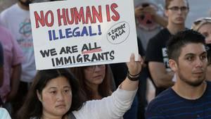 """Demonstranten protestieren gegen die Entscheidung von US-Präsident Donald Trump, das """"Dreamer""""-Programm zu beenden"""