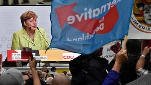 """""""Hau ab"""" und """"Volksverräter""""-Rufe: Merkels schwere Wahlkampfauftritte im Osten"""