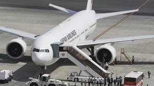 Die Maschine von Japan Airlines musste am Flughafen von Tokio notlanden