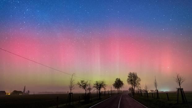 Polarlicht am Nachthimmel in Brandenburg