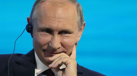 Wladimir Putin amüsierte sich auf einer Pressekonferenz prächtig auf Kosten von Washington