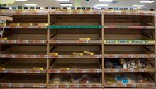 Hamsterkäufen vor Hurrikan Irma: Leer gekaufte Regale in einem Supermarkt in Florida