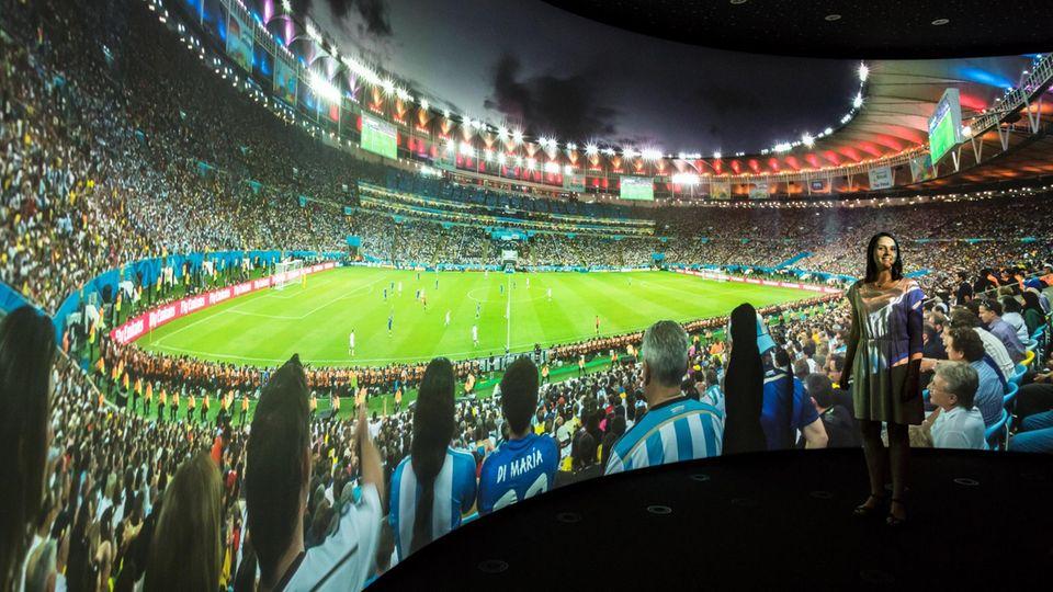 Neue TV-Technik auf der IFA 2017: Verschmelzung der Welten