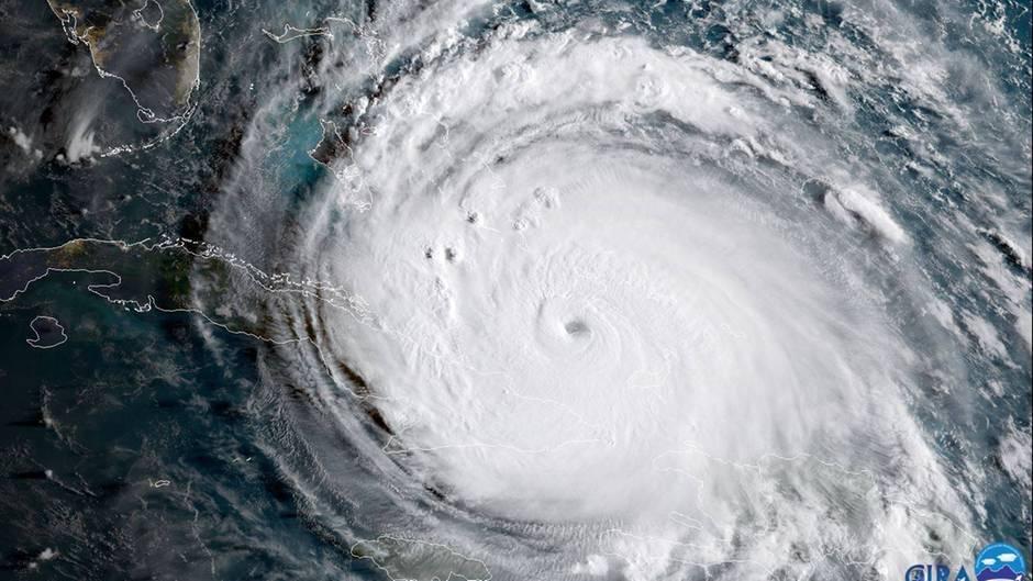"Hurrikan ""Irma"" nimmt unaufhaltsam Kurs auf die Florida Keys (links oben)"