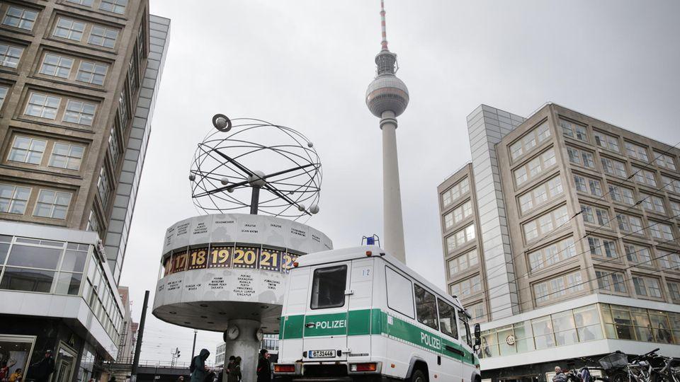Auf dem Berliner Alexanderplatz gab es eine Messerstecherei (Archivbild)