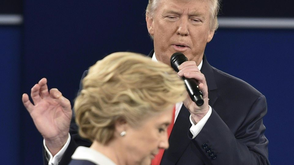 Hillary Clinton und Donald Trump beim TV-Duell