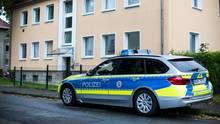 Detmold: Mutter und Kind tot aufgefunden - Tatverdächtiger auf der Flucht