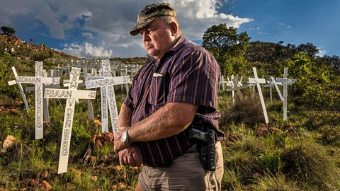 """Kriminalität in Südafrika – weiße Farmer im """"Feindesland"""""""
