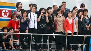 Nordkorea bei einem Bootsausflug. Trotz Sanktionen ist die Lage besser