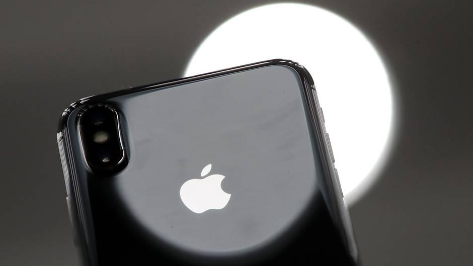 Sim Karte Einlegen Iphone X.Iphone X Verkauft Sich Schlechter Als Gedacht Und Stellt Samsung