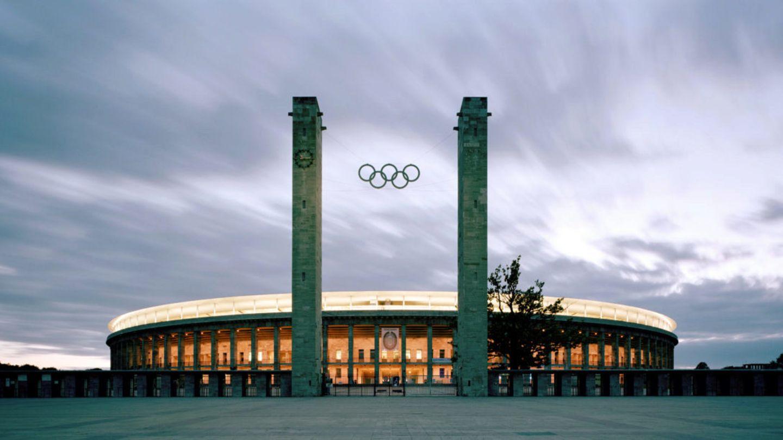Das Olympiastadion in Berlin (fast 75.000 Plätze) gilt als gesetzt