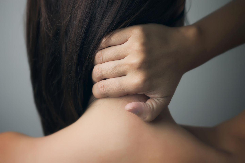 Die Ursache eines Tinnitus kann auch im Nacken liegen - genauer gesagt: der Nackenmuskulatur