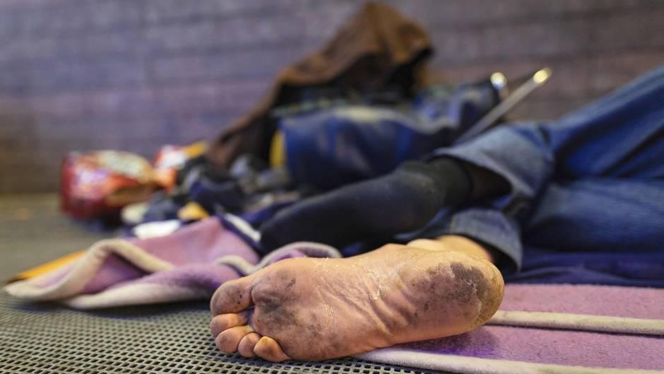 Tennessee: Ein Obdachloser liegt am Boden (Symbolfoto)