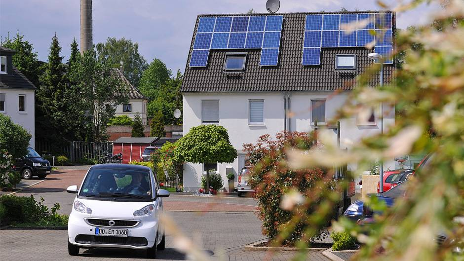 Sonne, Strom, E-Auto: ein umweltgerechter Dreiklang
