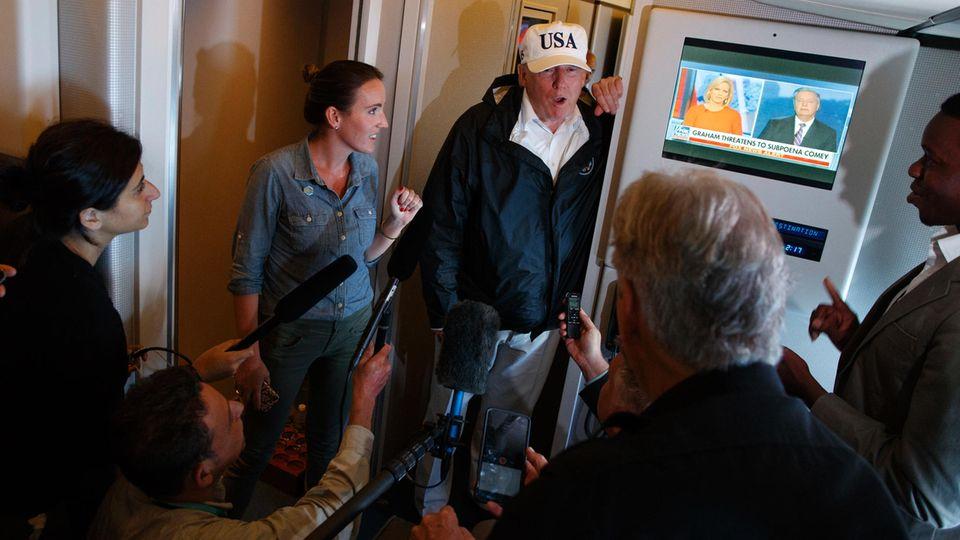 Donald Trump an Bord der Airforce One