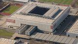 Düsseldorf mit der Esprit-Arena (etwa 51.000 Sitzplätze)