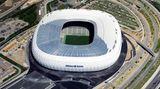 München mit der Allianz-Arena (70.000 Plätze)