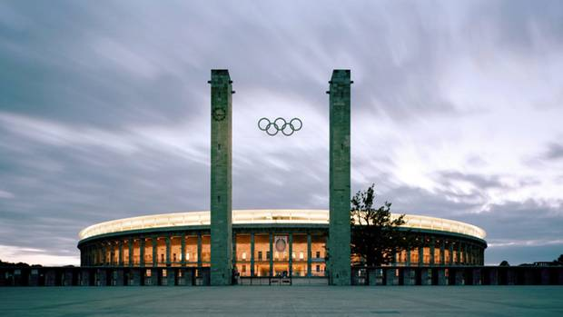 Das Olympiastadion in Berlin (fast 75.000 Plätze)