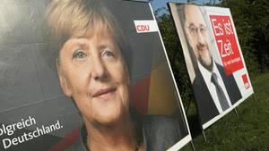 Wahlplakate mit Angela Merkel und Martin Schulz