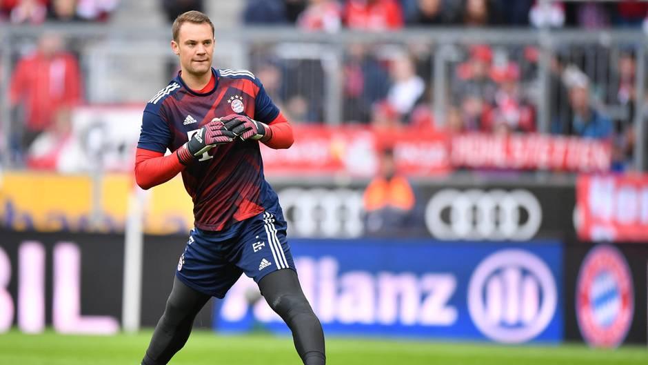 Manuel Neuer bereitet sich auf ein Bundesliga-Spiel vor