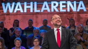 SPD-Kanzlerkandidat Martin Schulz lächelt in der ARD-Wahlarena