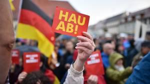 Wahlkampfveranstaltungen der CDU mit Angela Merkel wie hier in Finsterwalde, Brandenburg, wurden zuletzt häufig von Gegendemonstranten gestört