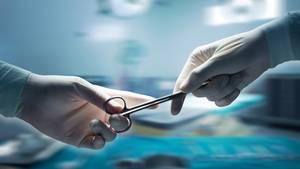 Ärztefehler sind keine Ausnahme. Jedes Jahr stellen Gutachten tausende Kunstfehler fest.
