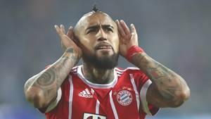 Arturo Vidal nach seinem Treffer zum 3:0 für Bayern München im Spiel gegen den FC Schalke 04