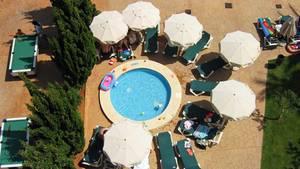War der Pool zu klein? Oder wie war das Hotel? Nach den Ferien gibt's Lob und Tadel im Internet.
