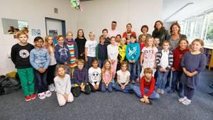Schleswig-Holsteins Bildungsministerin Karin Prien zu Besuch in einer Grundschule in Schilksee